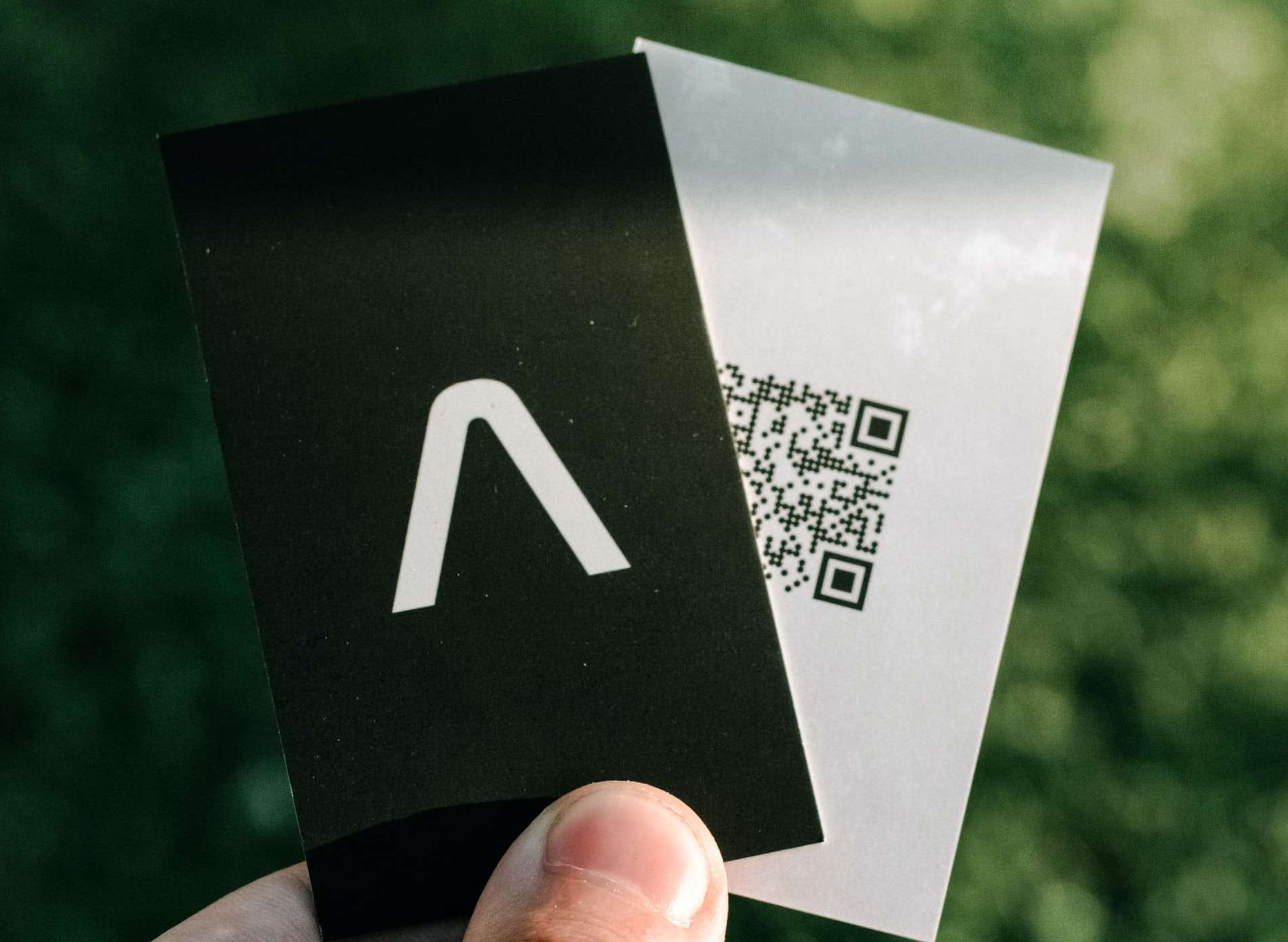 are square business cards a good idea